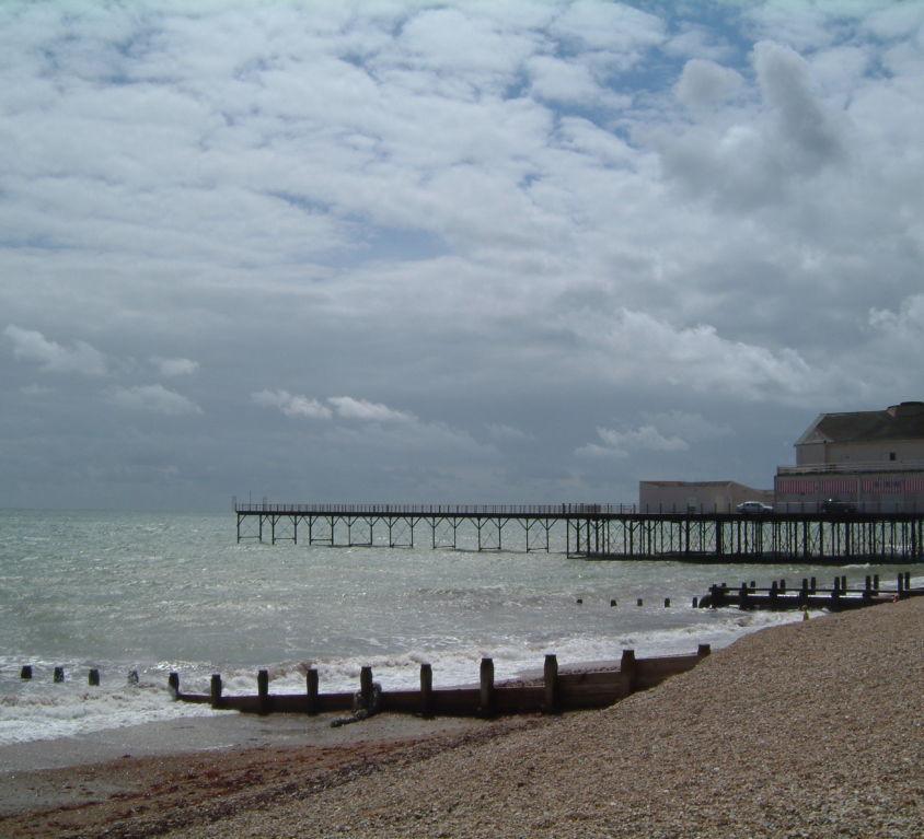 Bognor_Regis_seafront,_England