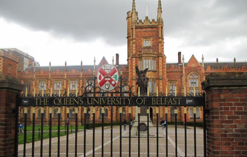 Queen's_University_Belfast_by_Paride